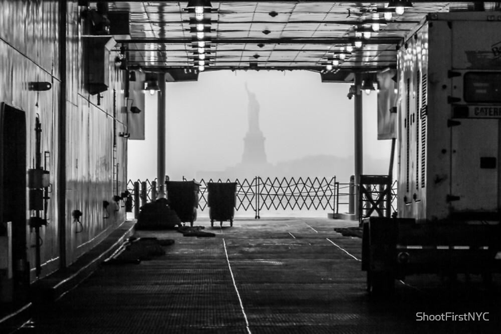 """«Libertad a través de """"The Boat""""» de Sean Sweeney"""