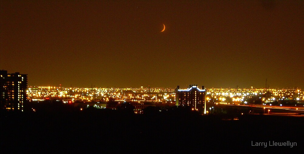 Last Night's Moon..... on a hot AUGUST NIGHT!!! by Larry Llewellyn