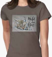 Lynx Wild and Free background Women's Fitted T-Shirt