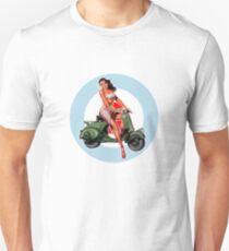 Camiseta unisex Scooter Pin-Up Girl Mod Target
