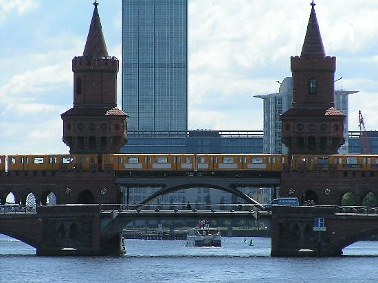 tower bridge at Berlin, Germany by chord0