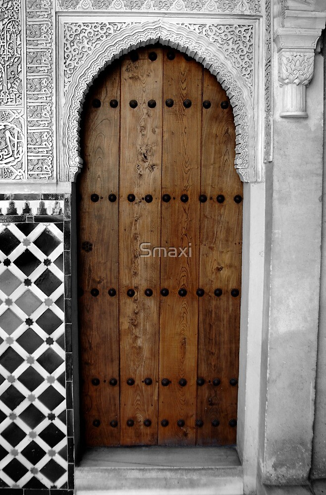Alhambra Doorway by Smaxi