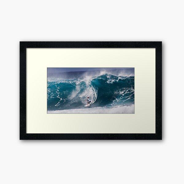 Pipeline Surfer 10 Framed Art Print