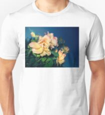 funky gold n pink roses 09/01/17 T-Shirt
