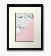 Marmor + rosa Pastellfarbe. Klassische Geometrie. Gerahmtes Wandbild
