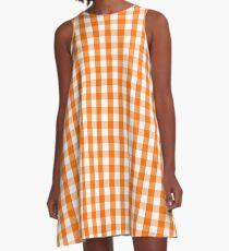 Klassisches Kürbis-orange und weißes Gingham-Karomuster A-Linien Kleid