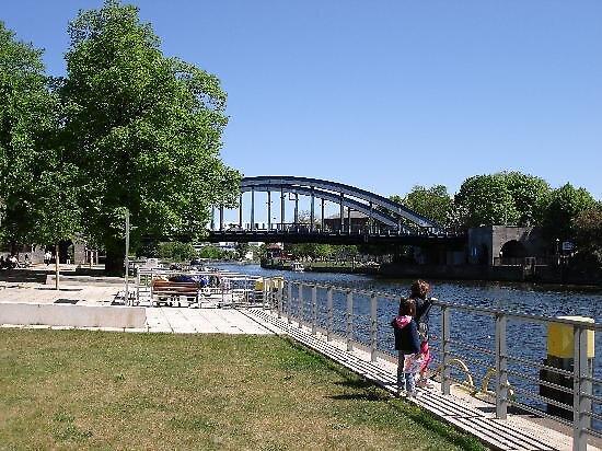 bridge at Spandau, Germany by chord0