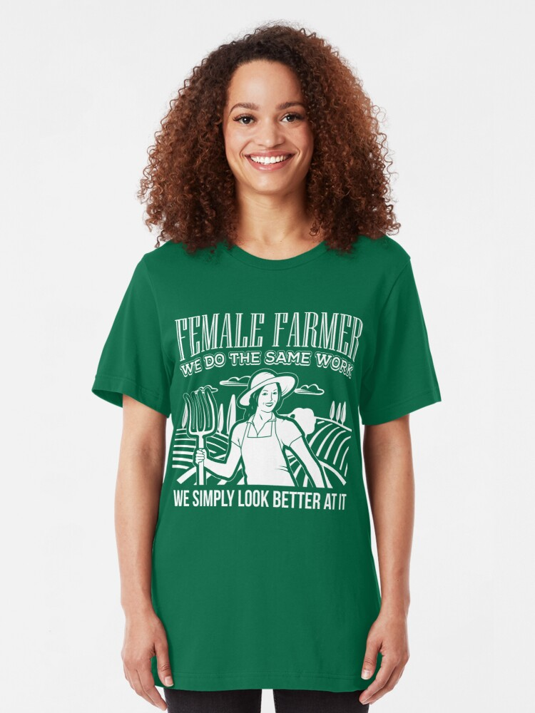 Alternative Ansicht von Female Farmers Simply Look Better > Funny Farming T-Shirts + Farmer Gifts Slim Fit T-Shirt