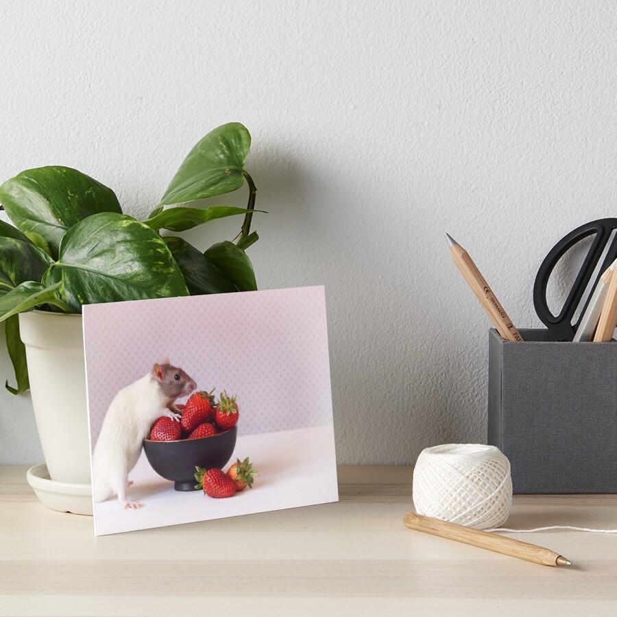 Snoozy liebt Erdbeeren Galeriedruck