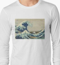 Weinleseplakat - die große Welle vor Kanagawa Langarmshirt