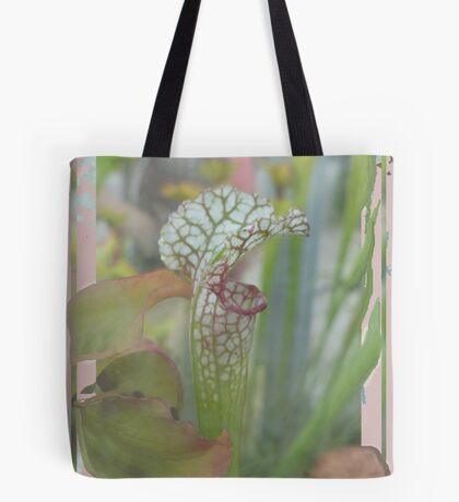 Trompetbekerplant Tote Bag