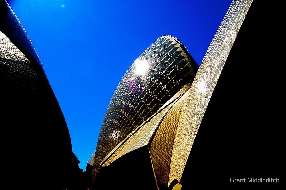 Sydney Opera House by Grant Middleditch