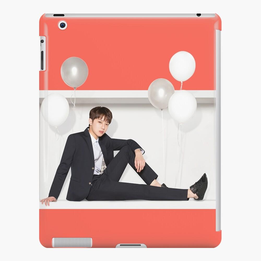 Wanna One x Ivy Club ft. Lai Guanlin (라이 구안 린) Funda y vinilo para iPad