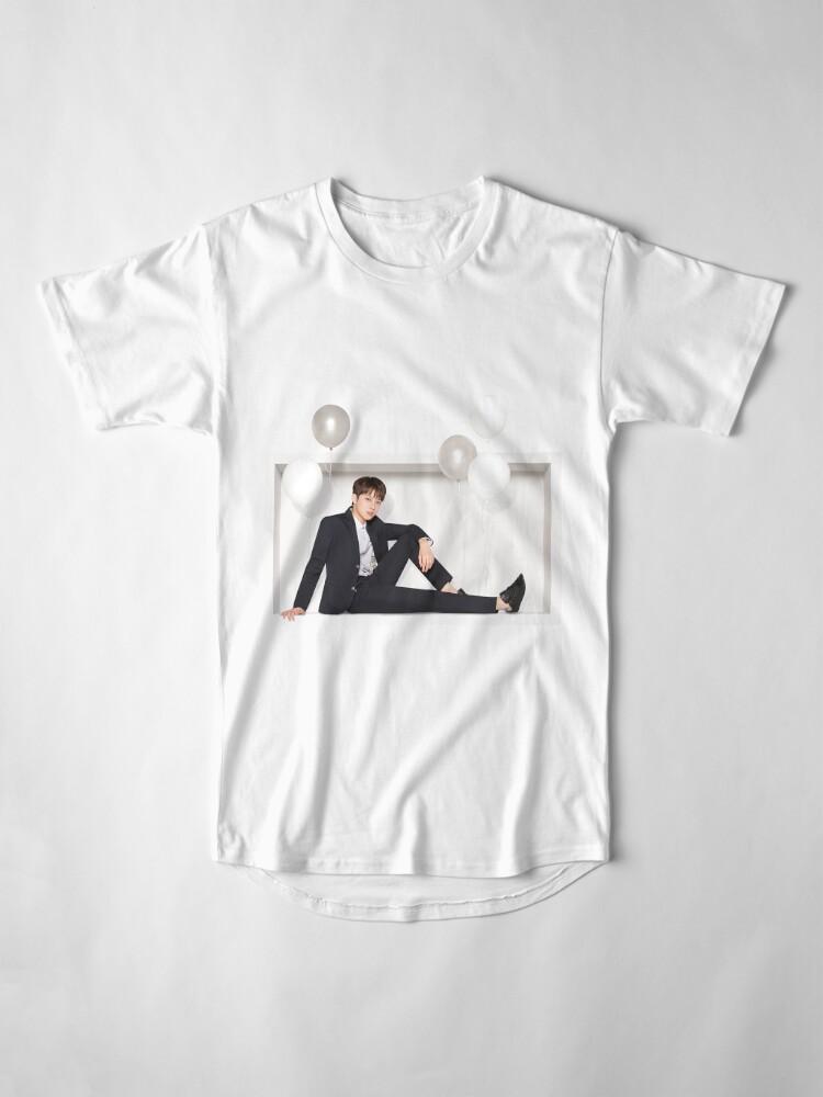 Vista alternativa de Camiseta larga Wanna One x Ivy Club ft. Lai Guanlin (라이 구안 린)