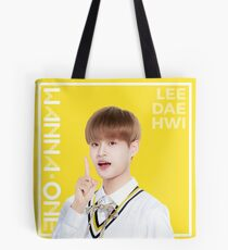 Bolsa de tela Wanna One x Ivy Club ft. Lee Daehwi (이대위)