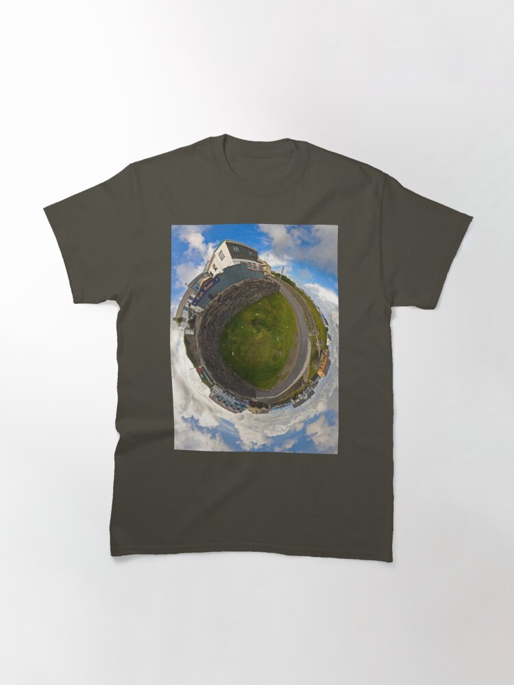Alternate view of Tigh Ruairi - Inisheer Village (Sky out)  Classic T-Shirt