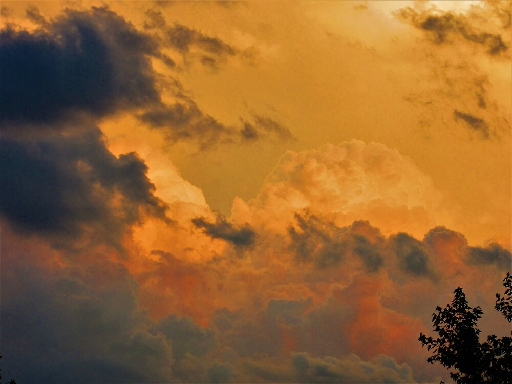 Rolling clouds by ChristinaSchwam