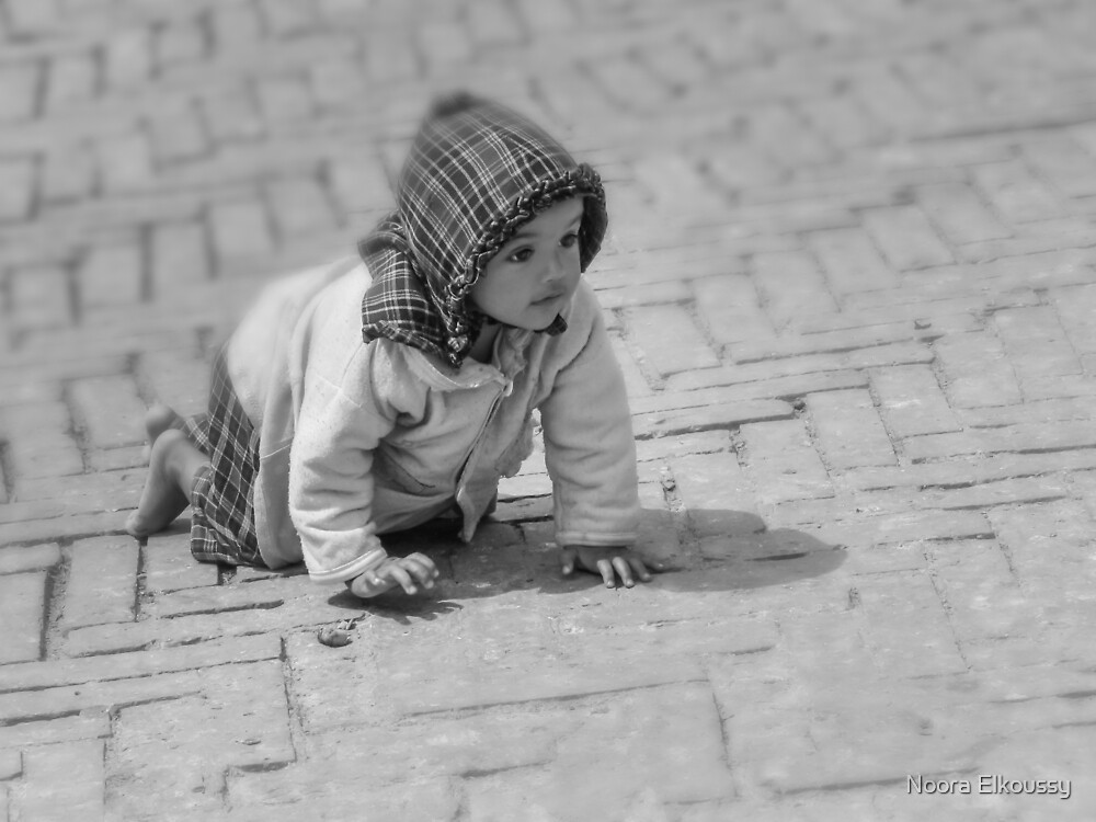 Baby Crawling, Nepal Photo by Noora Elkoussy