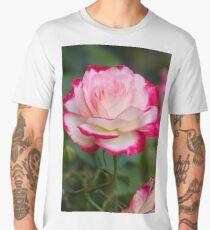 roses in the garden Men's Premium T-Shirt