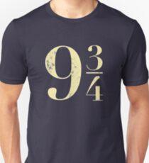 9 3/4 vintage style logo Unisex T-Shirt