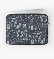 Fairy Garden: Midnight Laptop Sleeve