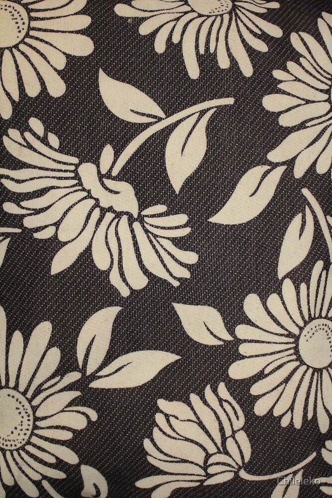 Flattering Floral Fabric by Chileleko