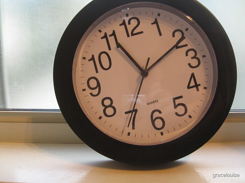 Tilted Clock by gracelouise