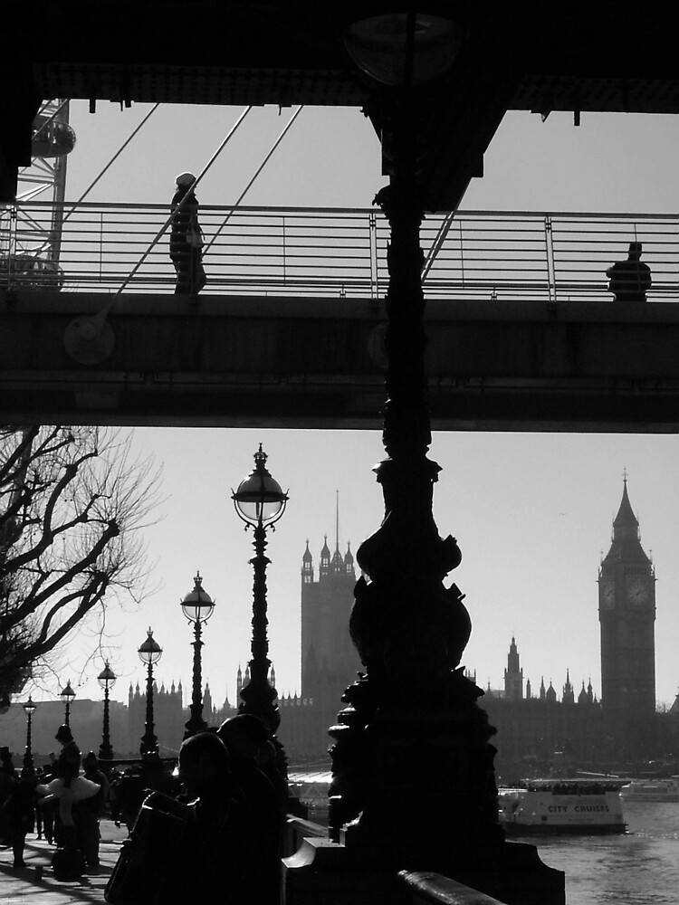 The Thames by Jo Byrne