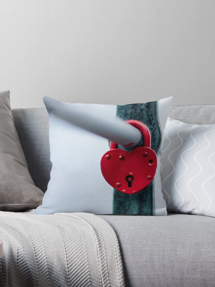 Red Heart Lock by PLdesign