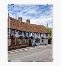 The Rose & Crown Hotel, Salisbury, Wiltshire, United Kingdom. iPad Case/Skin