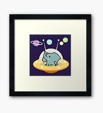 Astronauta elefante: misión Galaxy Lámina enmarcada