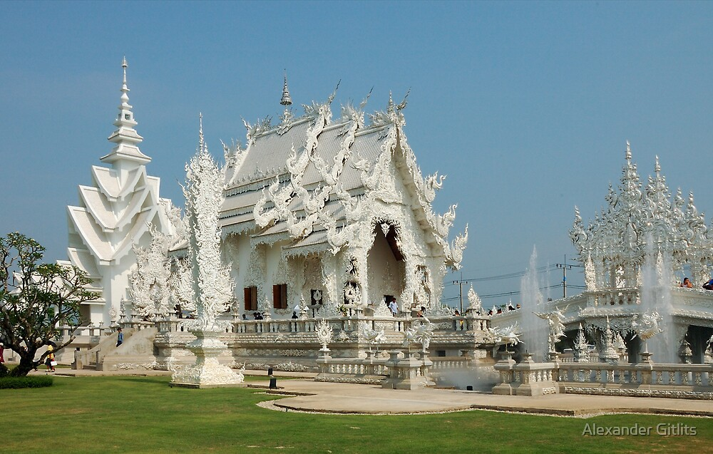 Wat Rong Khun II by Alexander Gitlits
