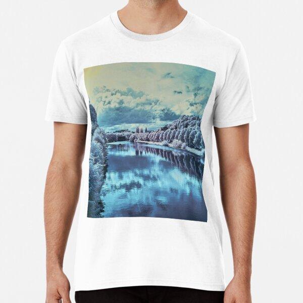 Approaching Tübingen Premium T-Shirt