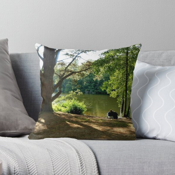 Falling in love and sing happy songs Throw Pillow