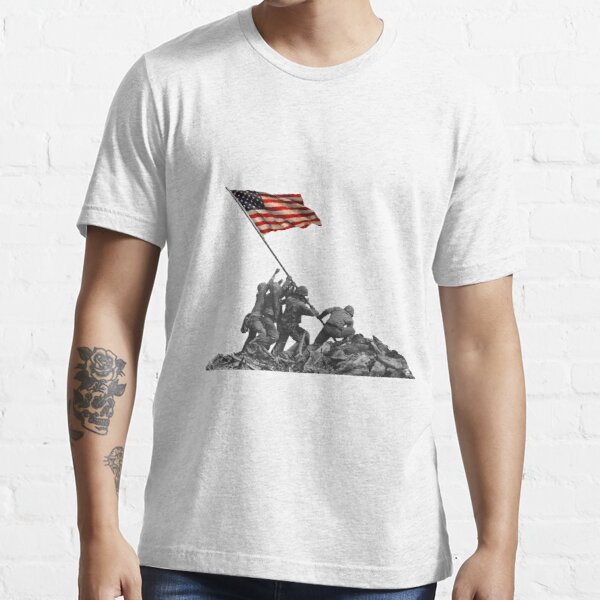 Soldiers Raising US Flag at Iwo Jima Essential T-Shirt