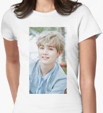 Suga BTS Tailliertes T-Shirt