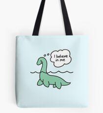Nessie glaubt an Nessie Tote Bag