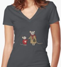 Mama Mouse Loves Mini Mouse Women's Fitted V-Neck T-Shirt