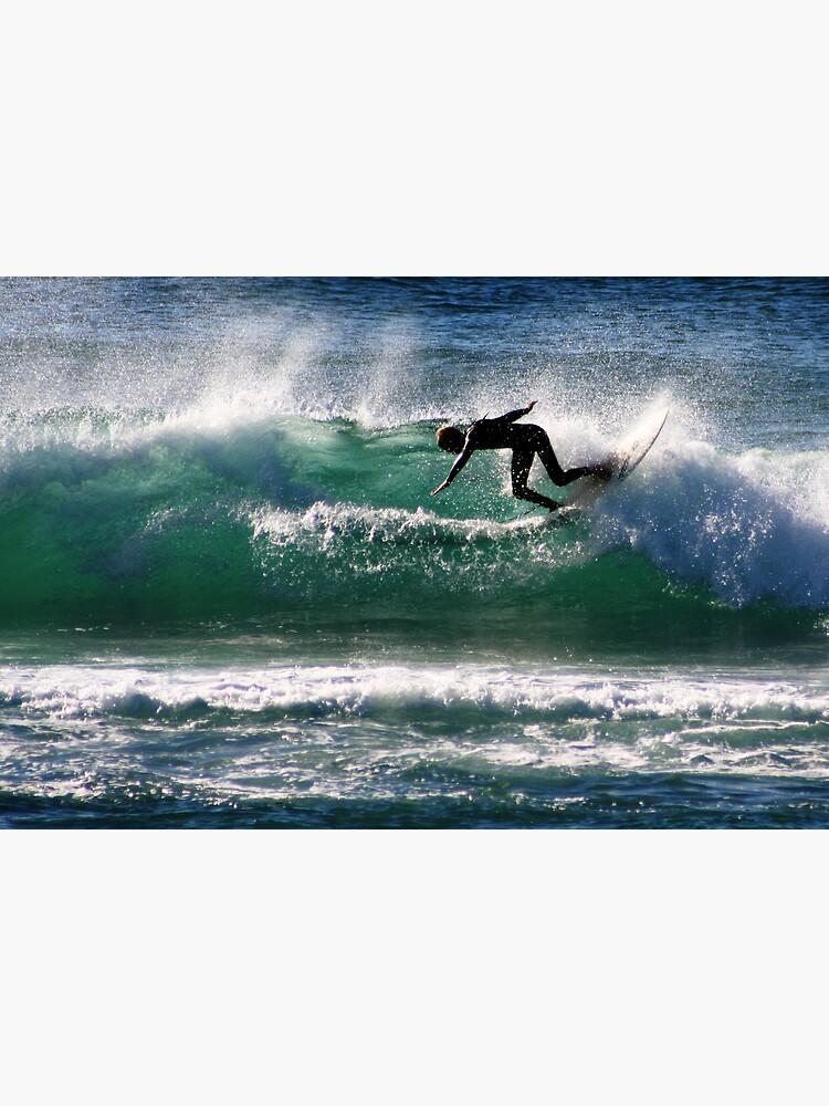 Emerald Surfer by theoddshot