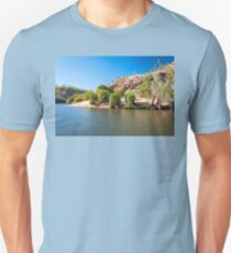 Crocodile tracks in the sand at Katherine River Gorge, NT, Australia. Unisex T-Shirt