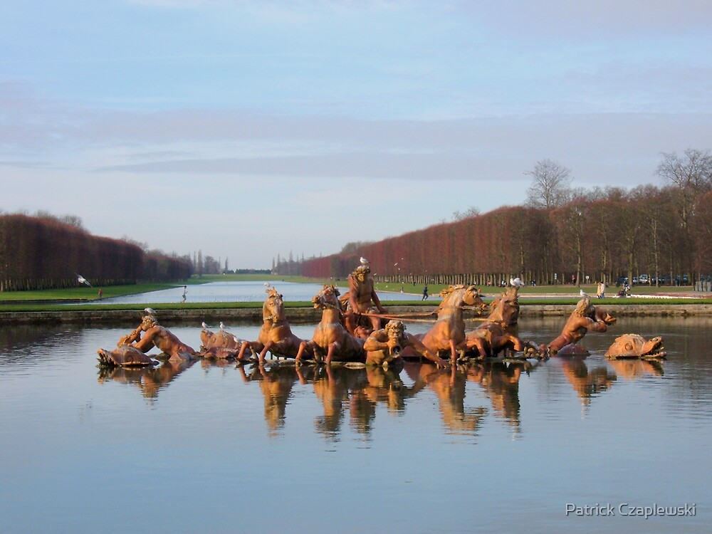 Bassin d'Apollon  by Patrick Czaplewski