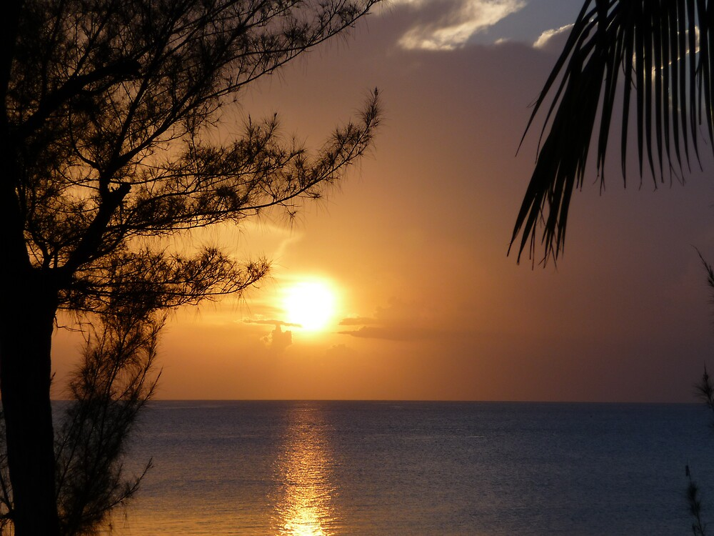 Sunset from Grand Cayman by abryant