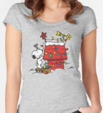 SNOOPY CHRISTMAS HOUSE Women's Fitted Scoop T-Shirt