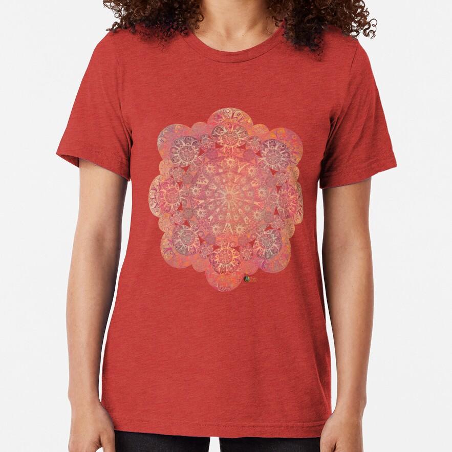 """Grey & Polka dots central circle pattern"" Camiseta de tejido mixto"