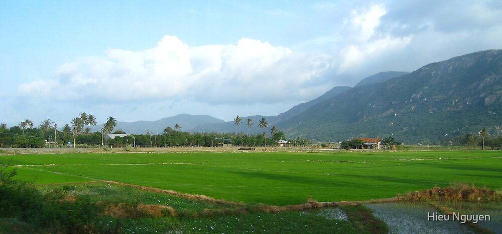 Nha Trang in Vietnam by Hieu Nguyen
