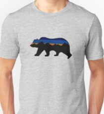 Grizzly Bear Outline - Mountains  T-Shirt