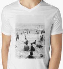Long Beach California Vintage Photo, 1920s  Men's V-Neck T-Shirt