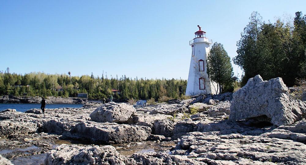 Big tub Lighthouse by pinnafore