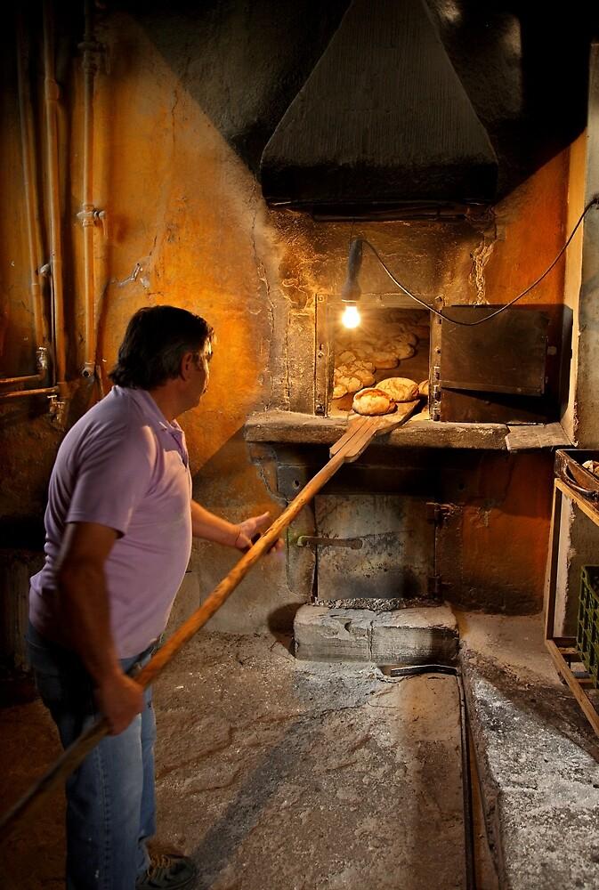 O pão nosso de cada dia nos dai hoje by Hercules Milas