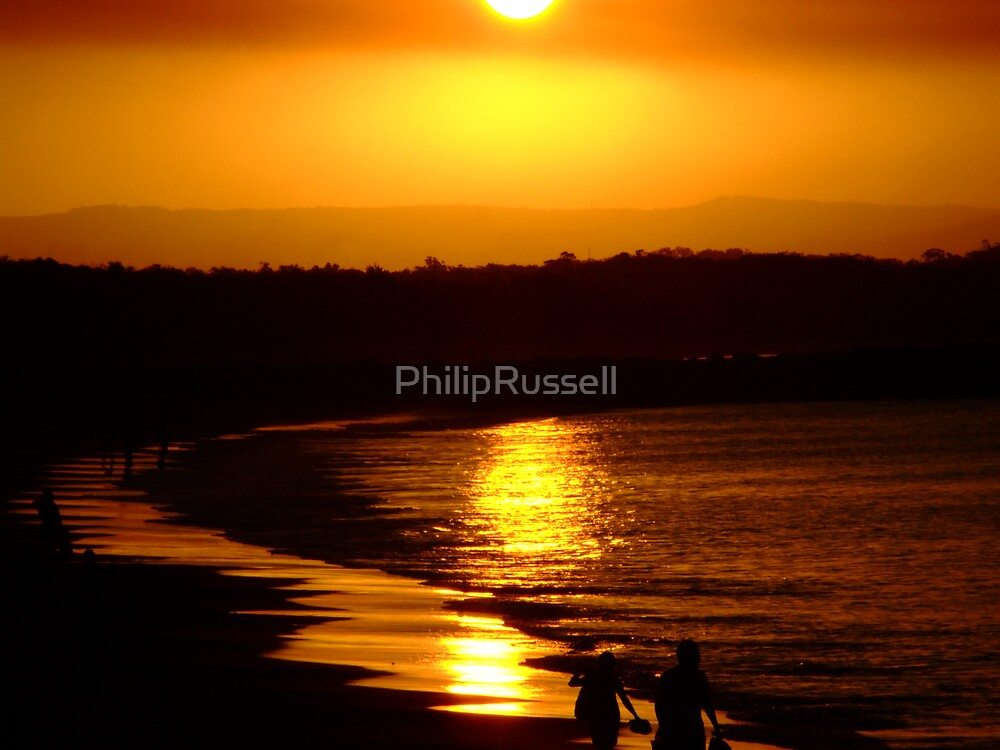 Noosa Beach by PhilipRussell